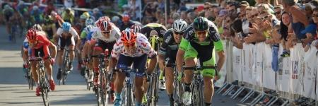 V prvej etape si Malucelli došprintoval po žltý dres, Slováci padali