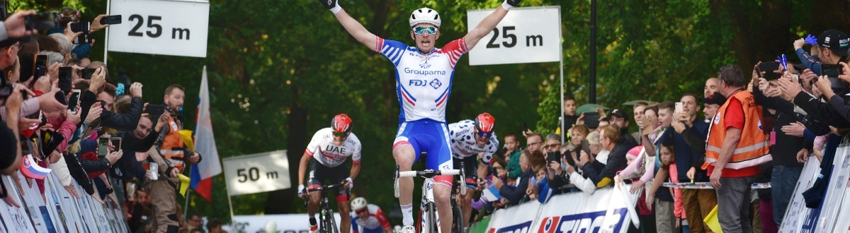 Arnaud Démare mastered the challenging finale, Yves Lampaert keeps defending yellow jersey